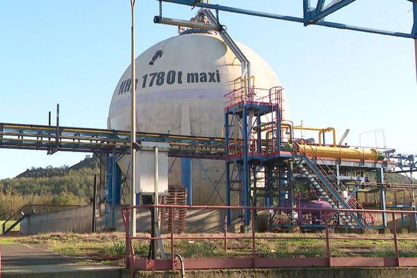La cuve sur le site de Mazingarbe ou 1000 tonnes d'ammoniac sont toujours stockées.