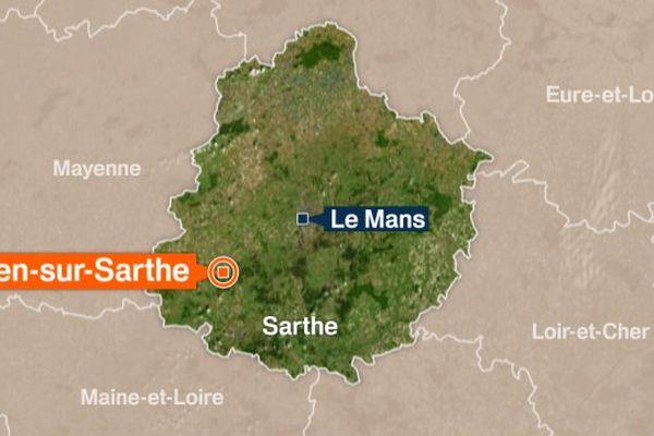 Le poids-lourd s'est couché sur l'autoroute A11 à hauteur de Noyen-sur-Sarthe