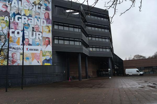 L'hôtel du département à Strasbourg, siège du département du Bas-Rhin puis (provisoirement) de la CEA.