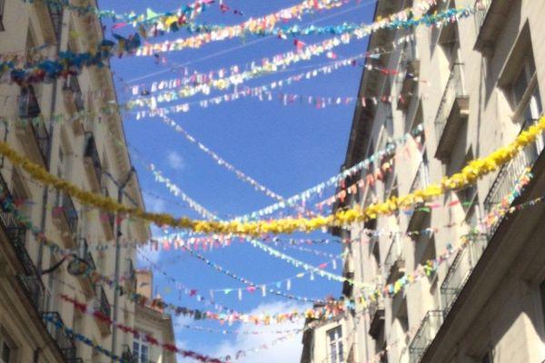 Les immeubles enguirlandés de la rue J-J Rousseau à Nantes
