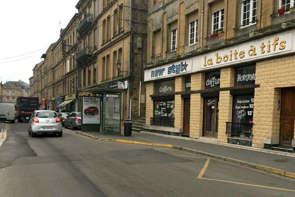 Dans le quartier Mézières de Charleville, la petite rue Monge peut se vanter de proposer un large choix de professionnels de la coiffure, sur quelques dizaines de mètres seulement