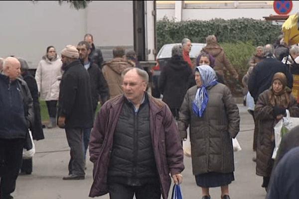 Le marché du quartier de la Haute-Folie, le mercredi, à Hérouville-Saint-Clair