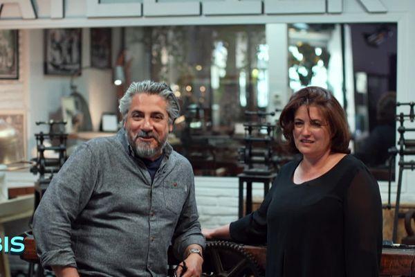 Stéphanie Porsain et Florent Trémolosa dans leur cabinet de curiosités