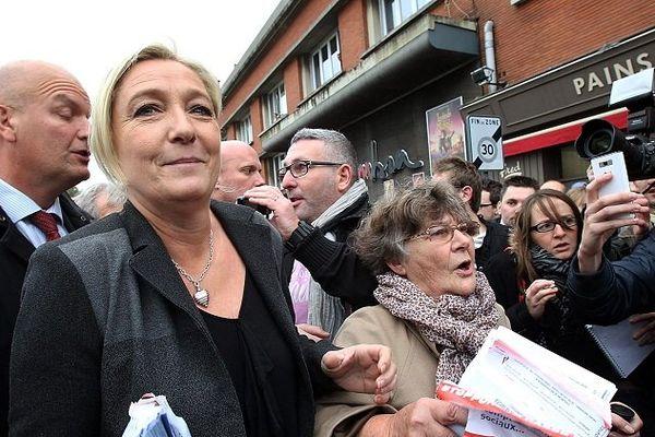Visite de Marine Le Pen à Calais, le 24 octobre 2014