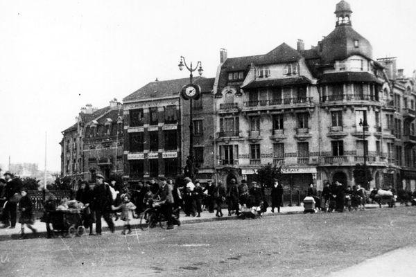 Le départ de Charleville et Mézières en mai 1940, suite à une offensive allemande.