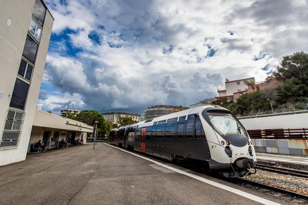 Les Chemins de fer de la Corse dans le viseur de la justice.