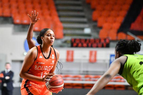 La joueuse du Tango Bourges Basket joue les Jeux Olympiques en ce moment à Tokyo, avec l'Equipe de France.