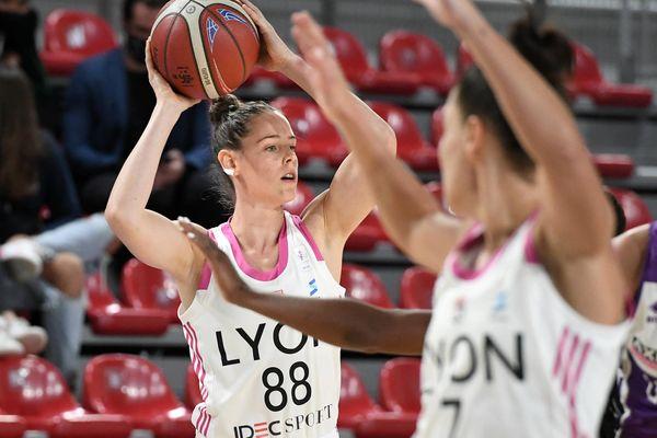 Avec 30 points inscrits, Sara Chevaugeon est la joueuse de la rencontre.