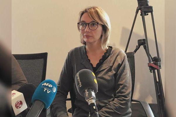 Amélie Lévêque lors d'une conférence presse, le 27 novembre.