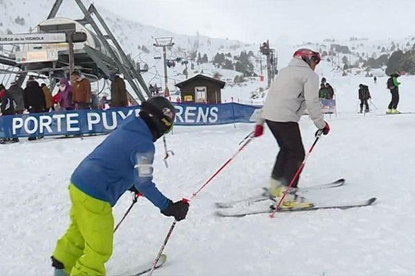 2 500 skieurs sur les pistes de Porté-Puymorens, la première station de ski des Pyrénées-Orientales à ouvrir son domaine (à 50%) samedi 16 et dimanche 17 novembre 2019.