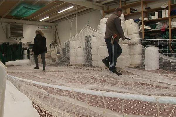 Fabrication de filets au sein de l'entreprise Outreloise Alprech Filets