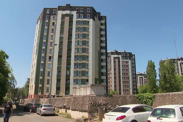 C'est dans l'un des appartements de cette tour de la cité Gayant à Douai que le drame a eu lieu dans la nuit du dimanche 30 au lundi 31 mai 2021.