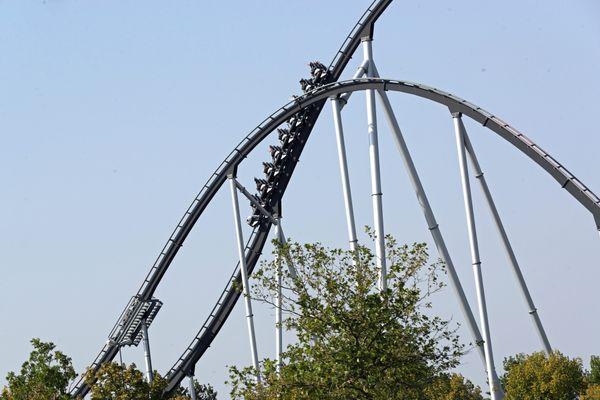 Les amoureux de la célèbre montagne russe allemande, le Silver Star pourront à nouveau en profiter à partir du 21 mai, le parc rouvre ses portes avec une jauge très réduite de visiteurs