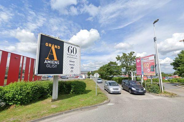 Parmi les 6 centres commerciaux de plus de 20.000 m² contraints de fermer dans l'Aisne, l'Oise et la Somme, Grand A à Glisy près d'Amiens.