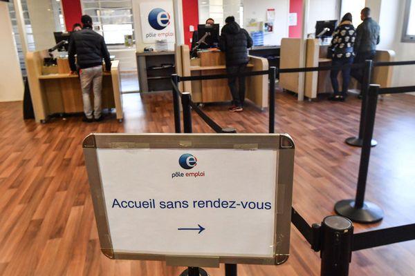 Au troisième trimestre 2020 en Occitanie, le nombre de demandeurs d'emploi de catégorie A s'établit à 385 220.