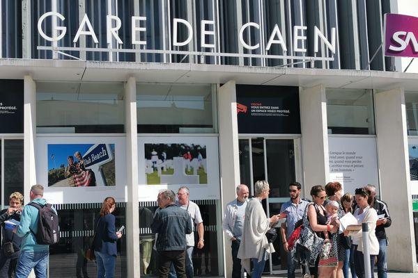 Usagers et cheminots se réunissent en gare de Caen jeudi 4 juillet pour informer et alerter sur l'avenir de la ligne Caen-Tours.