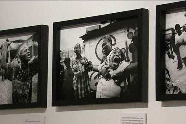Les photos exposées témoignent de certains conflits.