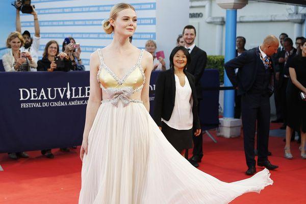 L'actrice américaine Elle Fanning sur le tapis rouge du festival de Deauville ce samedi 2 septembre