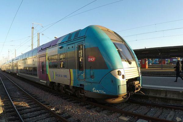 Un TER sur l'axe Nantes>Angers.