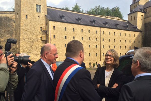 La ministre de la Culture au château fort de Sedan vendredi matin.