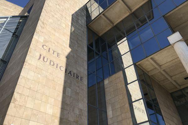 La tribune a été signée par les procureures de la République du Mans et de Saint-Nazaire.