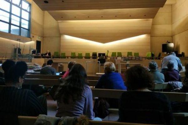 La salle d'audience des Assises de la Sarthe lors du procès Guittard