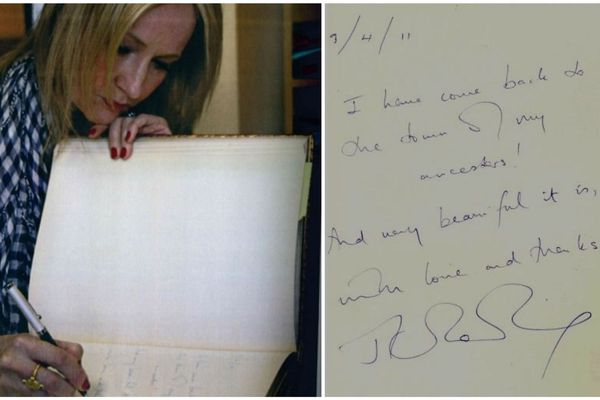 """J.K. Rowling a été invitée à signer le livre d'or de la mairie de Brumath. Elle y a écrit (en anglais): """"Je suis revenue dans la ville de mes ancêtres! Et c'est vraiment beau..."""""""