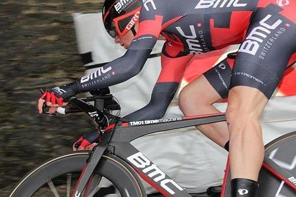 Le suisse de la BMC Stefan Kung, vainqueur du prologue du 34ème Tour de Normandie à Saint-Lô (Manche)