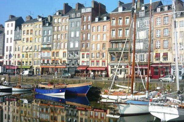 Honfleur, l'une des principales destinations touristiques en Normandie