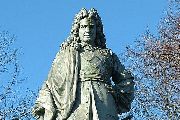 Statue en bronze de Auguste Bartholdi, représentant le maréchal de France Vauban.