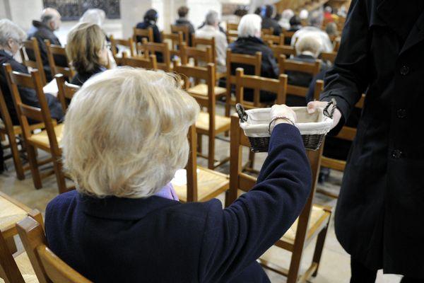 Entre 1995 et 2010, le nombre de baptisés est passé de 472 000 à 262 000, selon les chiffres de l'Eglise catholique.