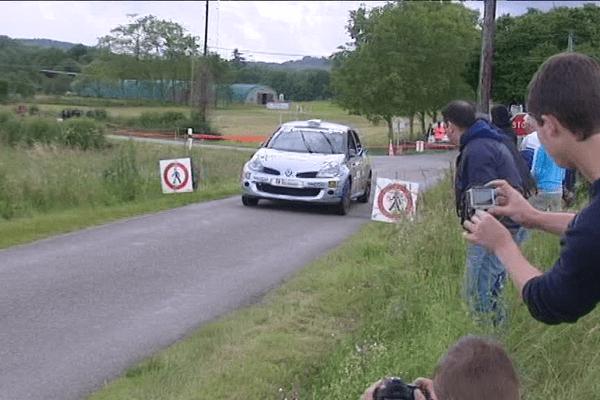 Jean-Seb Vigion à bord de sa renault Clio (rallye 2016)
