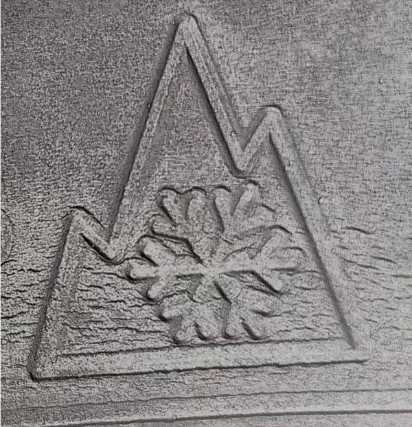 Voici le logo 3PMSF apparaissant sur les pneus homologués pour l'hiver.