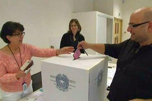 L'Italie, ainsi que Malte, la Slovaquie et la Lituanie, font leur devoir électoral samedi 24, avant le reste de l'Europe qui votera dimanche 25 mai 2014.