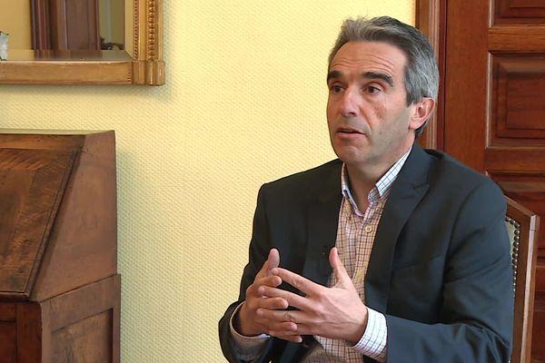 Jean-Yves Duclos (DVG), maire sortant, est réélu à 70,45% des suffrages.