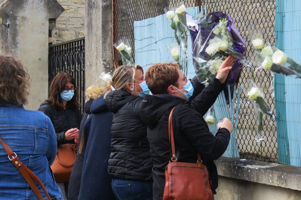 Un hommage a été rendu localement à Audrey Adam le 17 mai.