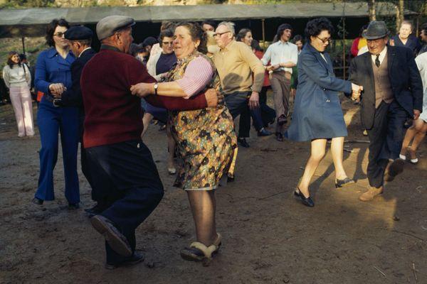 Entrez dans la danse avec les habitants de Poilley