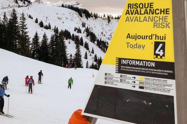 Pour ce dimanche 4 mars, le risque d'avalanches sera de 4 sur une échelle de 5 au-dessus de 2.200 mètres d'altitude en Haute-Savoie