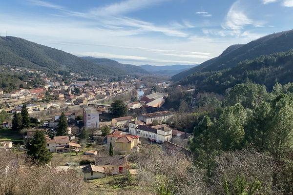 La commune de Bessèges est s'est construite le long de la Cèze dans le Gard, près des mines.