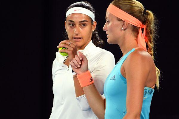 Caroline Garcia (à gauche) et Kristina Mladenovic (à droite) en janvier 2017. Les deux françaises qui disputent les quarts de finale de Roland-Garros.