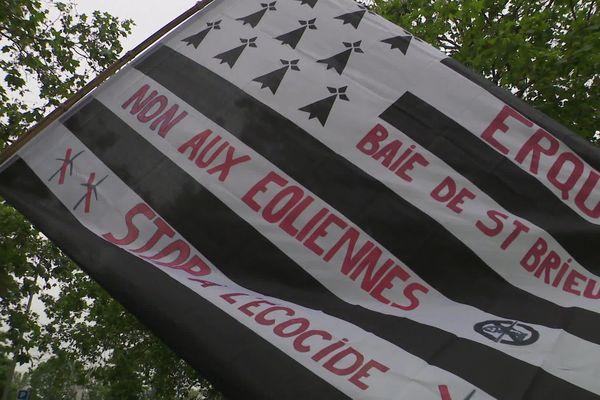 Caen, manifestation des pecheurs contre les éoliennes