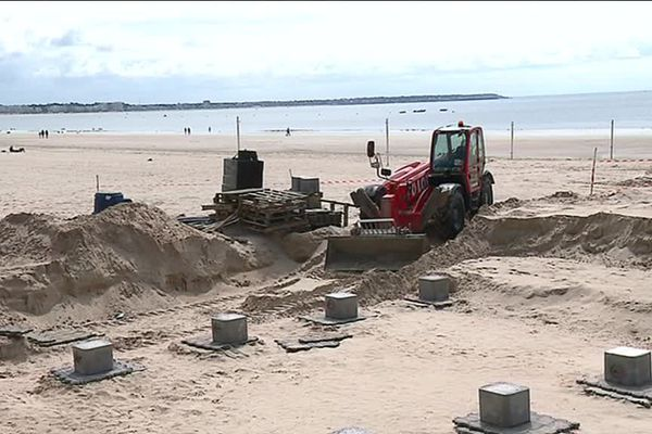 """Les travaux d""""installation du restaurant l'Albatros sur la plage de La Baule"""