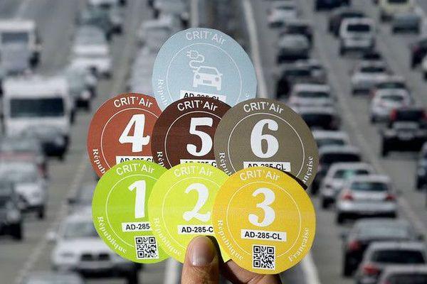 Vignettes du dispositif Crit'Air mis en place par le ministère de l'écologie.