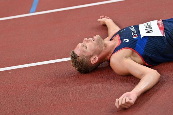 Tokyo - le Montpelliérain Kevin Mayer encore une fois médaillé d'argent du décathlon. C'est son second titre de vice-champion olympique après celui de 2016 à Rio - 5 août 2021.