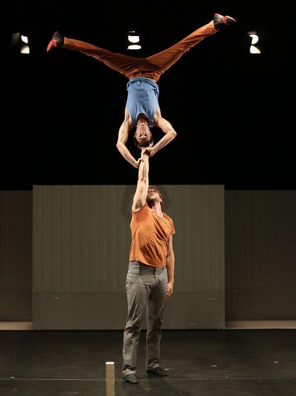 Compagnie de cirque Les hommes de mains, de Joris Frigerio