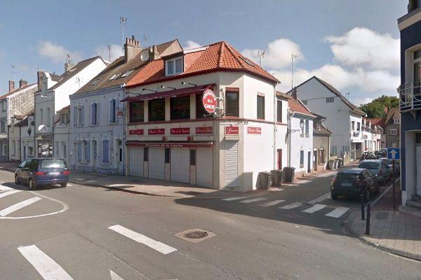Les victimes étaient installées sur la terrasse de cette brasserie, boulevard de l'Impératrice à Etaples, lorsqu'elles ont été fauchées.