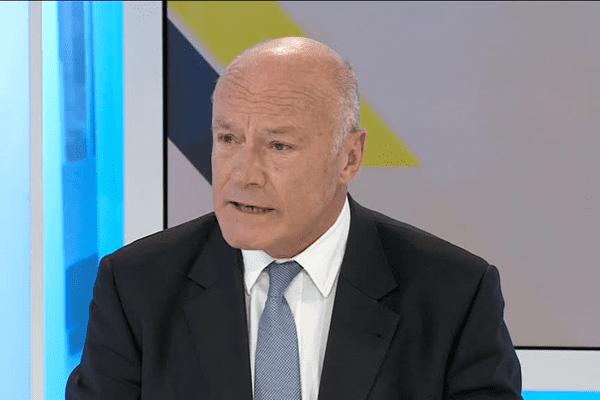 Alain Rousset sur le plateau de Dimanche en Politique.