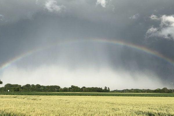 Arc-en-ciel avant la tempête, Erstein a connu un début de soirée agité.