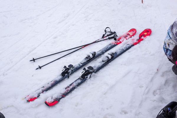 Photo d'illustration. Les stations de ski se préparent à une saison particulière avec les contraintes sanitaires liées à l'épidémie de Covid