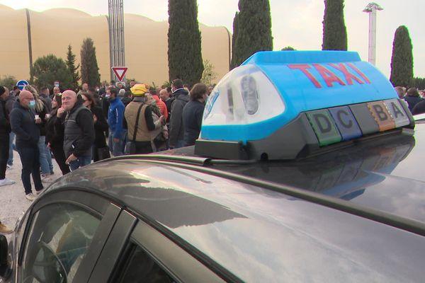 Les chauffeurs de taxis sont venus de toute la région